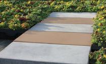 Assemblage dalles RoofStone® / modules pré-végétalisés LiveRoof®